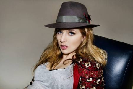 ZZ Ward is taking the music world -- and her Jewish identity -- by storm. (photo credit: Andi Elloway/Courtesy of Big Hassle Publicity)