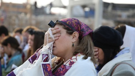 Members of Women of the Wall perform their monthly Rosh Hodesh prayers at the Western Wall, on December 4, 2013. (photo credit: Hadas Parush/FLASH90)