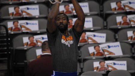Amar'e Stoudemire takes a practice shot. (photo credit: CC BY-scott mecum, Flickr)